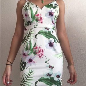 Tropical dress 🌿